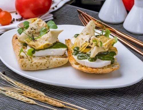 Crostoni di pane ai carciofini e mozzarella